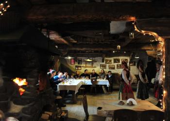 Restauracja w folkowym stylu
